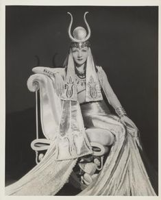 """Claudette Colbert, """"Cleopatra"""" 1934. Costumes by the incomparable Travis Banton."""