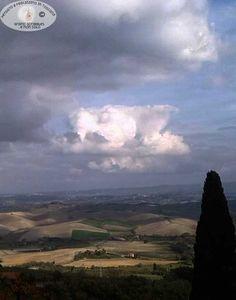 Chianni, una finestra sulle colline toscane http://graficscribbles.blogspot.it/2015/12/chianni-borghi-colline-toscana-cinghiale-sagre.html