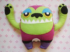 Monco o monstro. Toy confeccionado em feltro e tecido, com enchimento. Disponível em outras cores.  Dúvidas, informações ou orçamento de mais peças: poisonivyplush@gmail.com R$40,00