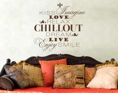 *Braun* - Wandtattoo Chillout #Kiss #Love #Relax #Smile #Enjoy #Dream #Chillout #Live