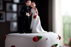 Las tartas más románticas para tu boda.    ¡Encarga la tuya en http://www.carlotas.com/tartas-decoradas.html!