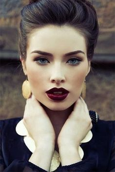 10-Winter-Make-Up-Looks-Ideas-For-Brown-Eyes-Dark-Lips-2015-1