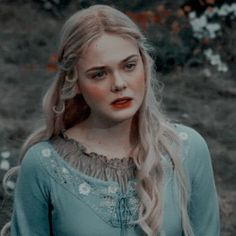 Aesthetic Women, Aesthetic Girl, Prity Girl, Disney Icons, Twitter Icon, Iconic Movies, Elle Fanning, Cute Icons, Icon Pack