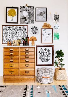 8 Artsy spaces you will be smitten with - Daily Dream Decor Deco Boheme, Home And Deco, Dream Decor, Bohemian Decor, Home And Living, Interior Inspiration, Sweet Home, Gallery Wall, Artsy