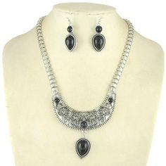 Fashion Jewelry - $9.99 - Beautiful Alloy Resin With Rhinestone Women's Jewelry Sets (011030515) http://amormoda.com/Beautiful-Alloy-Resin-With-Rhinestone-Women-S-Jewelry-Sets-011030515-g30515