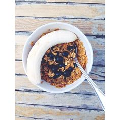 I made oats with coffee and almond milk. SO AMAZING. I put blueberries and a beautiful banana in with them.  #Padgram