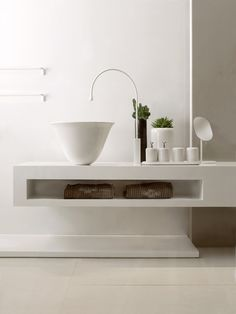 Bathroom sink is one of the important appliances in the design of a bathroom and almost the most frequently used appliances as well. Selecting a bathroom sink Interior, Bathroom Taps, Minimalist Bathroom, Luxury Interior Design, Interior Design, Luxury Bathroom, Bathrooms Remodel, Bathroom Decor, Bathroom Inspiration