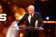 Pin for Later: Beim Deutschen Comedypreis 2015 ging es nicht nur lustig – sondern auch ganz schön emotional zu Stefan Raab Stefan Raab brach das Schweigen zu seinem TV-Aus.