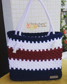 """131 curtidas, 13 comentários - Entre Fios e Encantos/Lilian (@entrefioseencantos) no Instagram: """"Naval⛵⚓ Visite minha loja no elo7 (endereço na Bio) Criação: @entrefioseencantos Fios:…"""" Crochet Backpack Pattern, Free Crochet Bag, Crochet Diy, Crochet Tote, Crochet Baby Shoes, Crochet Handbags, Crochet Purses, Crochet Hooks, Mochila Crochet"""