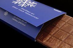 Wir haben uns für das Weihnachtsmailing unseres Kunden Brother eine genussvolle Überraschung einfallen lassen: Die elegant verpackte Schokoladentafel mit aufgedrucktem Adventskalender von Chocolatier Rimann läutet die besinnliche Adventszeit ein und versüsst 24 Tage jedes Empfängers. Auch wir haben die Schokolade probiert - mhhhh...