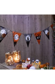 Graveyard Gathering Bunting 3.5m -  Perfect for a Adult or Teenage party matching tableware and decorations available.