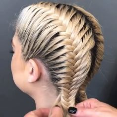 If you are looking for a great braided hairstyle, then look no further than the Dutch braid. It's a stunning hairstyle that will keep you happy for however long you want to keep it in. Let's see best 50 Dutch Braid Hairstyles for Long Hair on web. Dutch Hair, Curly Hair Styles, Natural Hair Styles, Hair Upstyles, Braids For Long Hair, Summer Braids, Edgy Long Hair, Braids For Medium Length Hair, Braiding Your Own Hair