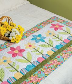 Projects from English Paper Piecing II Table Runner And Placemats, Table Runner Pattern, Quilted Table Runners, Bed Runner, Small Quilts, Mini Quilts, Paper Piecing Patterns, Quilt Patterns, Flower Quilts