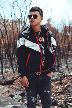 Outfits Hombre, Male Poses, Dylan O'brien, North Face Backpack, Cute Guys, Rap, Eye Candy, Crushes, Bomber Jacket