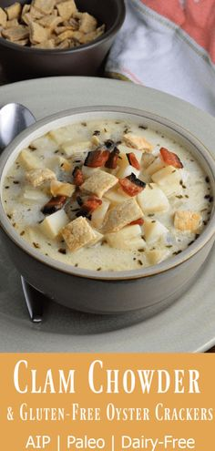 Your mouth may have trouble believing it, but there are no potatoes in this clam chowder or a drop of dairy. Chowder Recipes, Soup Recipes, Lunch Recipes, Real Food Recipes, Healthy Recipes, Paleo Meals, Yummy Food, Paleo Stew, Oyster Crackers