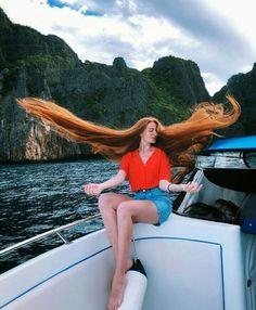 Long Red Hair, Super Long Hair, Beautiful Red Hair, Beautiful Redhead, Hair In The Wind, Rapunzel Hair, Auburn Hair, Hair Photo, Healthy Hair