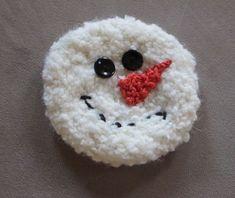 Haakideetje: Dit kun je tijdelijk vastmaken aan een sjaal, muts of kussen. Leuk voor het kerstseizoen!