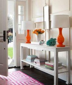 Ingresso colorato - Foyer arredato con elementi colorati