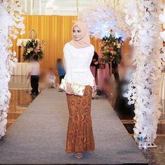 Hijab Gown, Kebaya Hijab, Batik Kebaya, Kebaya Muslim, Muslim Dress, Batik Dress, Gaun Dress, Dress Brokat, Kebaya Brokat
