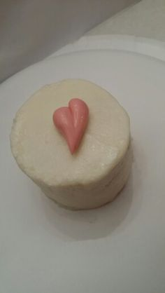 mini ♡ cakes Mini Cakes, Miami, Cheesecake, Dishes, Desserts, Food, Tailgate Desserts, Deserts, Cheese Pies