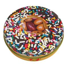 Jelly Belly - Donut Shop Mix Tin - Ever wished you could take the taste of a donut shop with you wherever you go? These deliciously sweet jelly beans are sure to be a big hit with any donut lover out there! Every donut-shaped tin c Mike And Ike, Chewy Candy, Sticky Fingers, Apple Filling, Donut Shop, Blueberry Cake, Chocolate Glaze, Jelly Belly, American Food