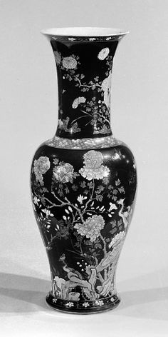 Qing dynasty (1644–1911), Kangxi period (1662–1722) Culture:     China Medium:     Porcelain decorated with famille noire enamels vase.