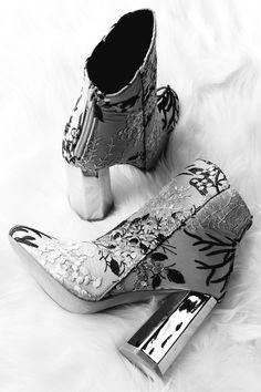 Fancy Shoes, Pretty Shoes, Crazy Shoes, Beautiful Shoes, Cute Shoes, Dr Shoes, Me Too Shoes, Fashion Heels, Fashion Boots