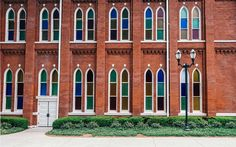 Nashville, TN - Gateway to the South & 2017 looks to be a banner year. The iconic Ryman Auditorium celebrates its 125th anniversary w/ a full calendar of fêtes, while the Country Music Hall of Fame & Museum celebrates 50 years.. The city is brimming w/ new & upcoming eateries: John Besh's Marsh House & Henrietta Red from Per Se–trained chef Julia Sullivan. There are plenty of places to stay such as the Westin & Thompson recently debuted w/ a Kimpton & 21c slated to open this year.