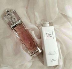 Beauty Make-up, Beauty Care, Beauty Skin, Beauty Tips, Perfume Scents, Perfume Bottles, Pink Perfume, Parfum Chanel, Dior Addict