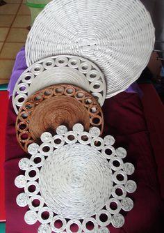 Photo DIY - Easy to do from photos. Great for outdoor placemats! Newspaspers Centerpieces, tabletops centros de mesa/salvamanteles