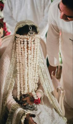 Cute Girl Face, Cute Girl Photo, Cute Baby Photos, Girl Photos, Glitter Pictures, Pakistani Bridal Dresses, Cute Images, Designer Wear, Veil