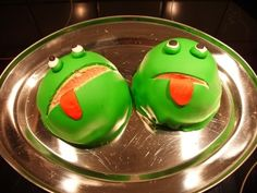 Frog Cakes, Strawberry Mousse, Make Your Own, Make It Yourself, Hand Pies, Marzipan, Pretty Cakes, Toffee, Green Colors