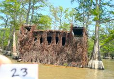 Love the call blocks and shooting lanes Duck Hunting, Hunting Dogs, Boat Blinds, Duck Blind, Hunting Blinds, Architecture, House Styles, Arquitetura, Waterfowl Hunting