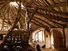 Ev Alacak Durumu Olmayan Ailenin Bizzat İnşa Ettiği 'Hobbit Evi'   Az Şekerli