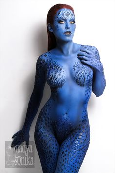 Character: Mystique (Raven Darkhölme) / From: MARVEL Comics 'The Uncanny X-Men' & Fox Films 'X-Men' / Cosplayer: Nadya Anton (aka Nadyasonika) / Photo: Ignacio Mendoza Fotografía / Body Paint Artist: Lyma Makeup Art (Lymari Millot) Marvel Cosplay, Amazing Cosplay, Best Cosplay, Female Cosplay, Costume Manga, Body Paint Cosplay, Marla Singer, Super Heroine, Jessica Nigri
