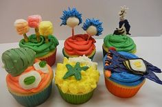Stacey - The same blogger that did the Grinch cupcakes did a whole set for Dr Seuss' birthday!  Sugar overload, but beautiful!!