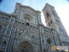 Impresionante la catedral de Florencia!!!   Recorre Italia en coche con http://www.reservasdecoches.com/paises/alquiler-de-coches-italia/ #italia #Florencia  #catedral #sitiosdeinteres #viajes #catedraldeflorencia #catedrales