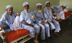 The men in this photo had their fingers cut off by the Taliban for voting http://gu.com/p/3q5j5/tw @guardianworld pic.twitter.com/HGb1J3ZlXl