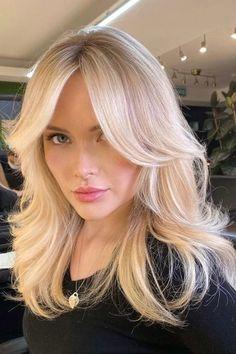 Blonde Hair With Bangs, Bangs With Medium Hair, Blonde Hair Looks, Medium Hair With Layers, Shoulder Length Hair With Bangs, Medium Length Hair Blonde, Short Blond Hair, Long Bangs, Blonde Long Layers