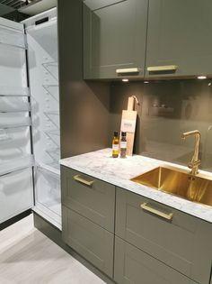 AUBO Trend Nordic kjøkken New Kitchen Inspiration, Ikea Kitchen Remodel, Interior Design Kitchen, Backsplash, Kitchen Cabinets, Home Decor, Minimalism, Kitchen Modern, Decoration Home