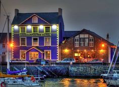 35 brilliant Welsh food pubs where you can enjoy a decent pint and a great meal… Best Hotel Deals, Best Hotels, Best Of Wales, Welsh Recipes, Visit Wales, Going On Holiday, Top Hotels, British Isles, Hotel Reviews