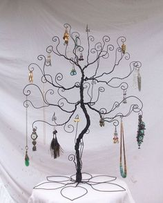 Wire jewelry tree stand