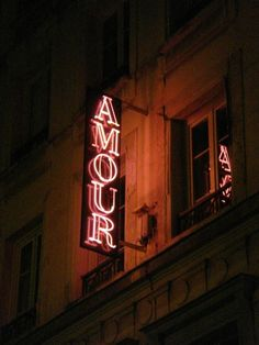 """""""amour"""" - even the neon signs are romantic"""
