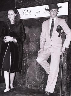 Steve Strange at the Blitz Club Leigh Bowery, Blitz Kids, Stranger Things Steve, Celebrity Skin, The Blitz, London Clubs, Romantic Scenes, New Romantics, Strange Photos
