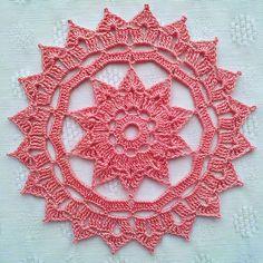 Ravelry: Rosette Doily pattern by Patrizia Pisani