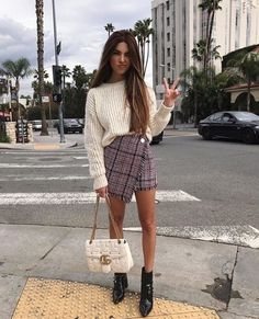 Love her plaid skirt it is so so so pretty // #fashion #style #outfits #ad