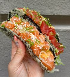 Its taco Tuesday everyone! So lets do some sushi tacos! Think Food, I Love Food, Good Food, Yummy Food, Sushi Recipes, Cooking Recipes, Healthy Recipes, Cucumber Recipes, Healthy Food