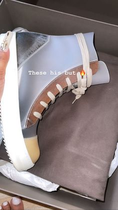 Cute Sneakers, Shoes Sneakers, Shoes Heels, Luxury Lifestyle Fashion, Hype Shoes, Foto Instagram, Cute Comfy Outfits, Sneaker Heels, Dream Shoes