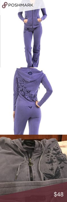 Vertigo Paris frosted plum size S jogging set. Crafted from Soft & Comfortable Cotton Blend Fabric, This Jog Set is a must for your off-duty active lifestyle wardrobe. Studded & Embroidered Butterfly design, Ribbed hem & cuffs, & long sleeves. Has super cute heart zipper & very flattering! Pant inseam has an approximate measure of 33 - 34 & 9-10 rise. This jogging suit is perfect for style & comfort. In excellent condition, no rips, stains or holes. Please see 3 & 4th pic for better color…