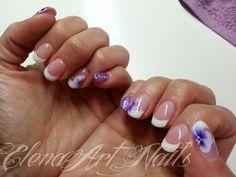 Estensione cover porcelain Aglia French super white gel con monocolore Violet Elegance e pittura one stroke